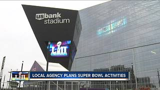 Milwaukee marketing firm sending 200+ employees to Super Bowl - Video