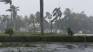 Heavy Winds and Rain Reported in Naples Ahead of Expected Irma Landfall - Video