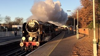 Old Steam Train Pulls up at London Norbury station - Video