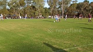 Amateur footballer scores sensational solo goal in Australian league - Video