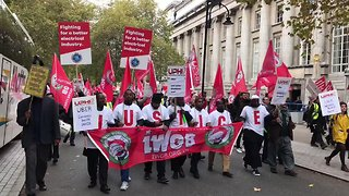 Uber Drivers March as Company Appeals Ruling on Workers' Rights - Video