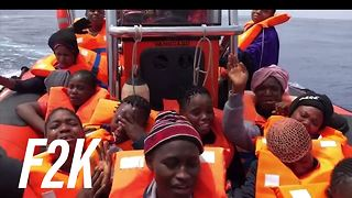 Italy closes its border to migrant rescue boats