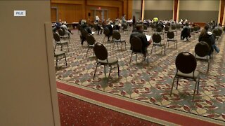 Surplus of vaccination appointments at Wisconsin Center facility