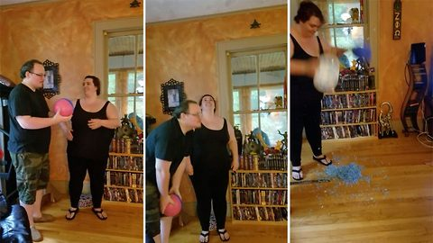 """You better hope the baby comes out easier than this"": Gender reveal goes wrong when pinata fails to burst seven times"