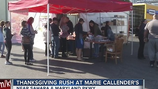 Line for pies at Marie Callender's - Video