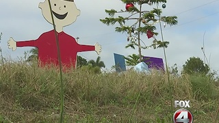 Charlie Brown Christmas display warms hearts in Southwest Florida - Video