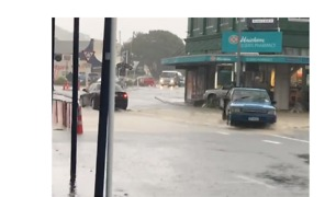 Flooding in Greymouth After 75mm of Rain Falls in 2 Hours - Video