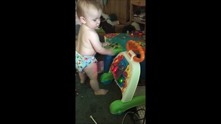 Baby DJ makes mashup of two favorite music toys - Video