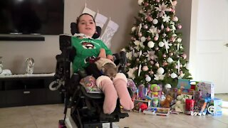 Palm Beach County girl who's paralyzed donates to foster organizations for Christmas