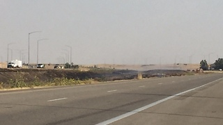 Grass fire closes I-84 near Port of Entry - Video