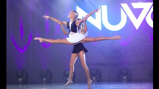 Identical twins deliver unbelievable dancing duet