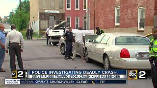 Woman killed, two injured in multi-vehicle car crash - Video