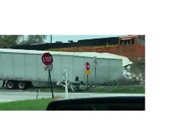 Train Collides With Semi-Trailer South of Atlanta - Video