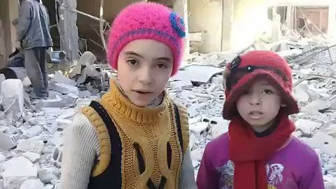 'Warplanes Bombed Our Building' - Children of East Ghouta Show Damage to Neighborhood