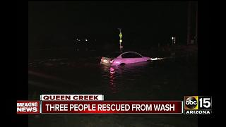 BREAKING: 3 people stuck in car in Queen Creek - Video