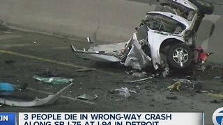 3 people die in wrong-way crash on SB I-75 in Detroit - Video