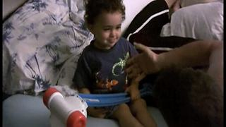 Tot Boy Argues With Dad While Talking Gibberish - Video