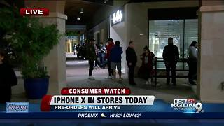 Lines for iPhone X in Tucson - Video