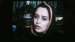 Elham Charkhandeh Singing in Shabe Yalda - Video