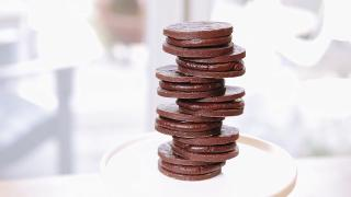 Chocolate Mint Sandwich Cookies - Video