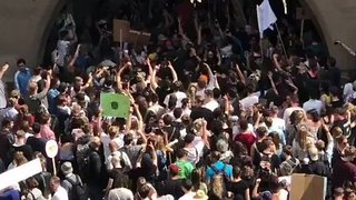 Tens of Thousands March in Munich Against Controversial Police Bill - Video