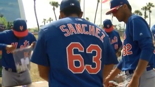Minor League Mets helping young fans - Video