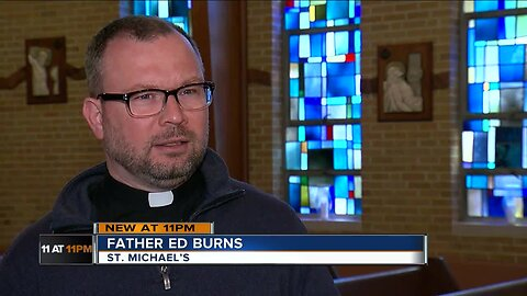 Con poses as priest, takes hundreds in video game gift cards