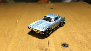 Awesome Hot Wheels Car '64 Corvette Stingray (C2) (2013 Mainline Livery)