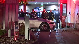 Woman drives across Rally's drive-thru
