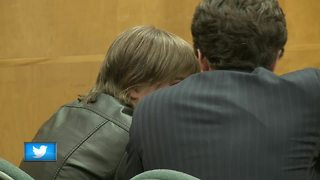 Slender Man attacker breaks down in court - Video