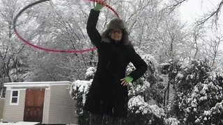 New Jersey Hula-Hooper Celebrates Thundersnow During Nor'easter - Video