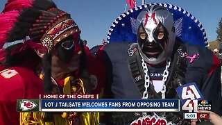 Special Chiefs tailgate open to all fans, even Texans fans