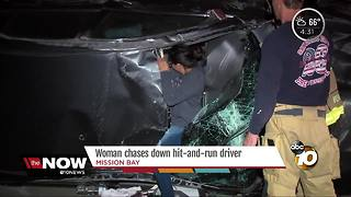 Driver chases after passengers after 2-car crash - Video