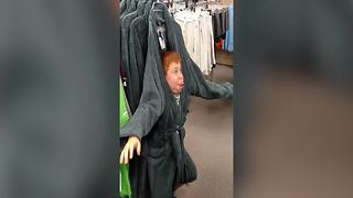 """Funny Boy Dances To """"All About That Bass"""" In a Department Store - Video"""