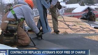 Veteran receives new roof days before Christmas - Video
