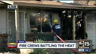 Fire spreads to RV, two homes in Mesa causing damage - Video