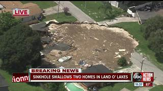 Sinkhole swallows 2 homes in Land O' Lakes, officials provide update - Video