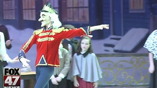 Capital Ballet Theatre performs holiday classic at Holt High School - Video