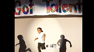 Six-year-old wins talent show with amazing dance performance - Video