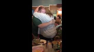 Man proposes to girlfriend as his birthday wish - Video