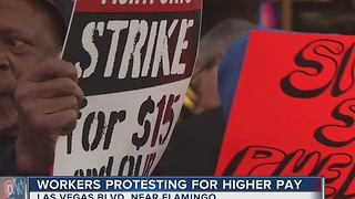 Las Vegas workers fight for a $15 minimum wage - Video