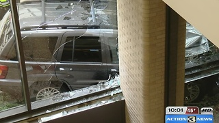 Car crashes into Epply - Video