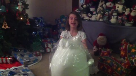Christmas gift leaves 7-year-old absolutely speechless!