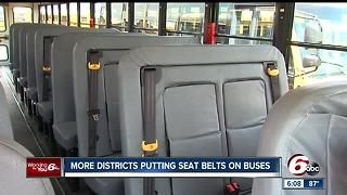 More school districts putting seat belts on buses - Video