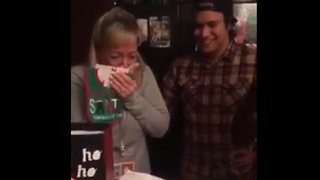 Mom gets emotional after daughter's Christmas pregnancy surprise - Video