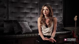 Carly Pearce talks about when bluegrass came into her life | Rare Country - Video