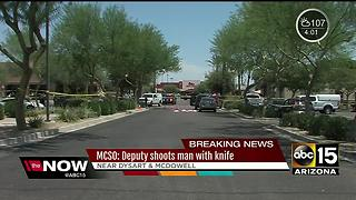 MCSO deputy shoots suspect that approached with a knife - Video