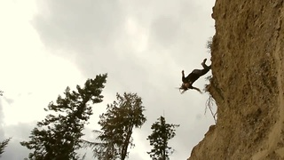 High-flying Parkour stunts in slow motion - Video
