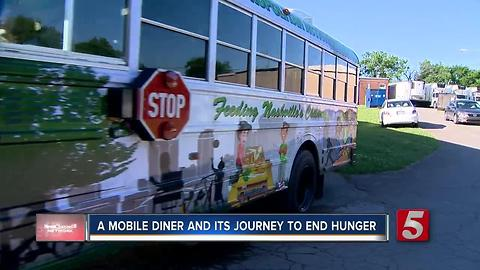 Mobile Diner Gives Free Food To Kids