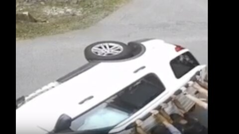 Good Samaritans Come to Aid of Driver After Car Flips on Tennessee Road